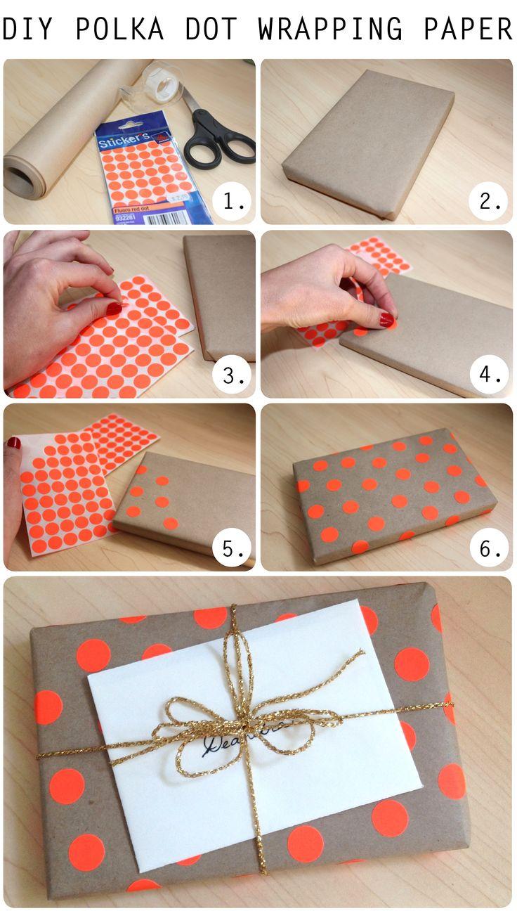 Dica ultra simples para decorar uma embalagem de presentes com bolinhas.