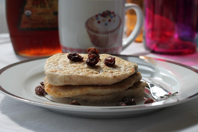 Oatmeal Raisin Cookie Pancakes