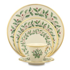 Santa please!!! I am dying to have this christmas china!