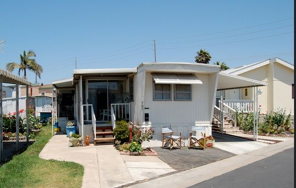 14 Great Mobile Home Exterior Makeover Ideas For Every Budget Home Exterior Makeover Mobile