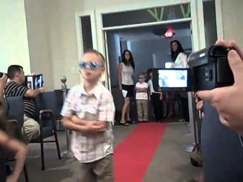 Preschool graduation entrance- I love this!  Red carpet and all!!!