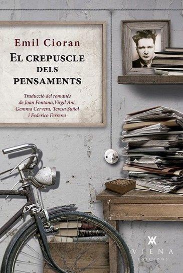El Crepuscle dels pensaments / Emil Cioran https://cataleg.ub.edu/record=b2236269~S1*cat El crepuscle dels pensaments és una obra important en la trajectòria literària de Cioran, i també una de les més polèmiques i sorprenents. Des del punt de vista temàtic, hi presenta la gènesi d'unes fílies i unes fòbies que en els seus llibres posteriors s'anirien desenvolupant i afuant.