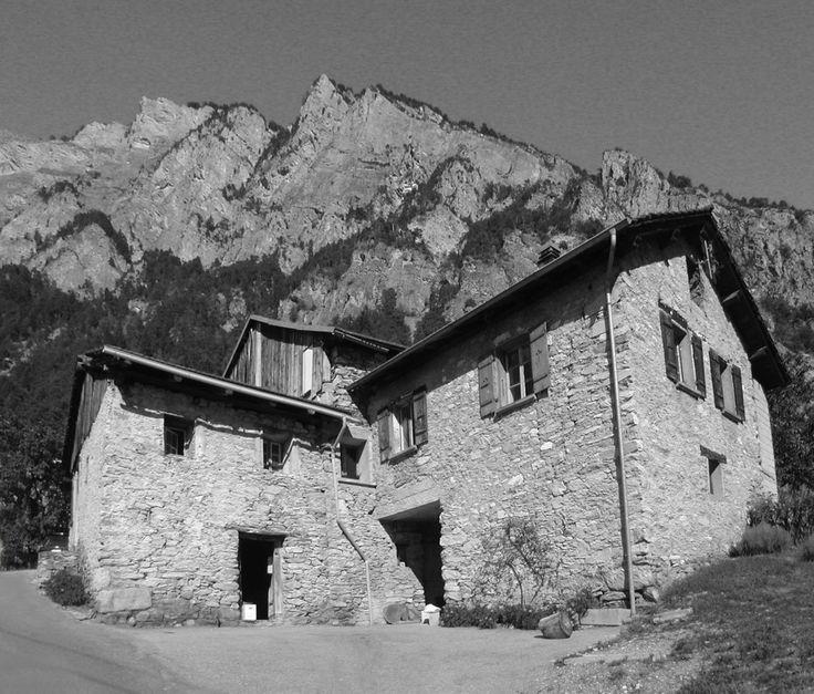 Renovation in Chamoson / Odnowiony budynek wiejski z XIX wieku – nowoczesna STODOŁA | wnętrza & DESIGN | projekty DOMÓW | dom STODOŁA