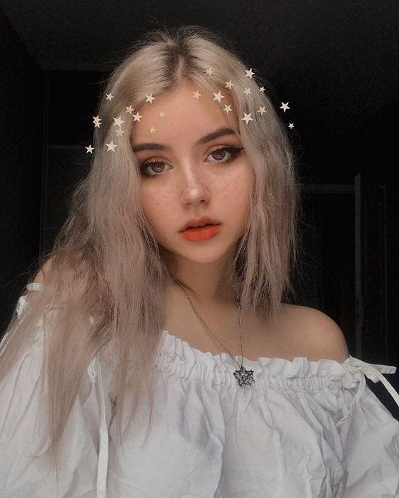Grace Fantasy Gray Short Body Wave Lace Front Wigs Silver Grey Human Hair Wigs Heat Resistant Wavy Gray Hair Wigs For Women Daily Wear