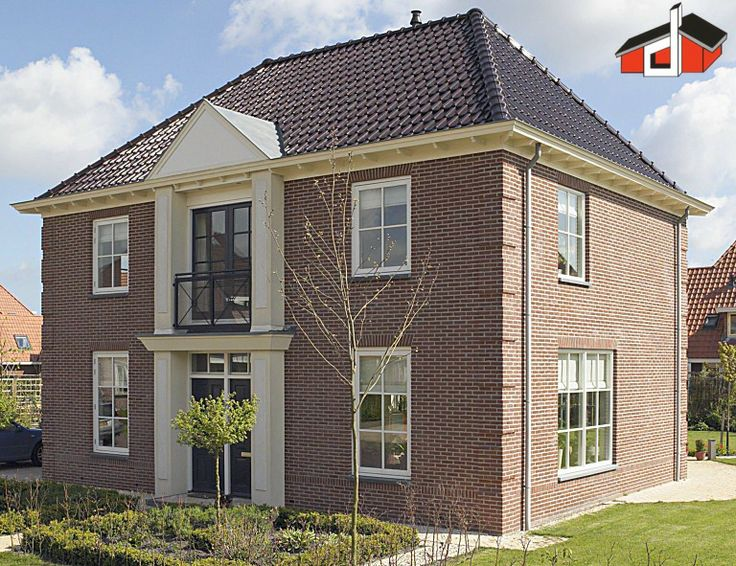 Herenhuis, type VDG-220 in jaren 30-stijl met Frans balkon en timpaan door Bouw en Woonburo Dannenberg www.dannenbergbouw.nl