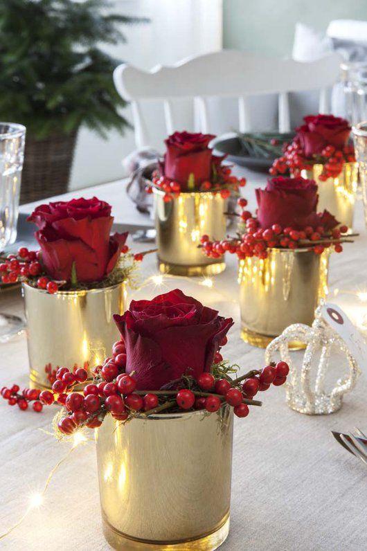 Her viser deg hvordan du enkelt kan lage dekorativ bordpynt på en-to-tre.
