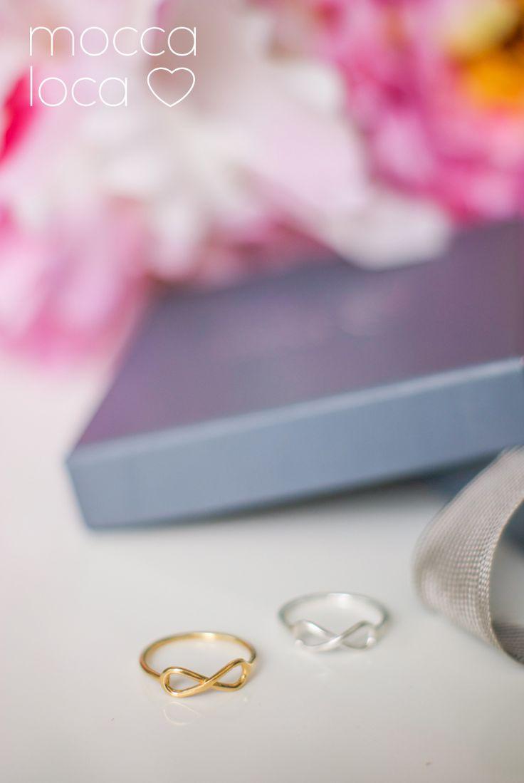 Pierścionki ze znakiem nieskończoności - srebrny i pozłacany