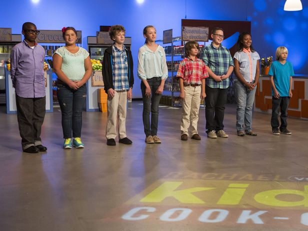Rachel vs. Guy Kids Cook Off - So inspirational for other kids to see how amazing these ones are at cooking. All kids should be learning how to cook at a young age! It really increases the amount of foods they will eat too. Must watch. #FoodNetwork