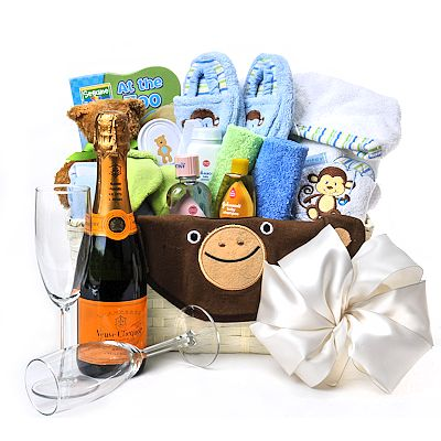 32 best Baby Gift Baskets images on Pinterest | Baby gift baskets ...