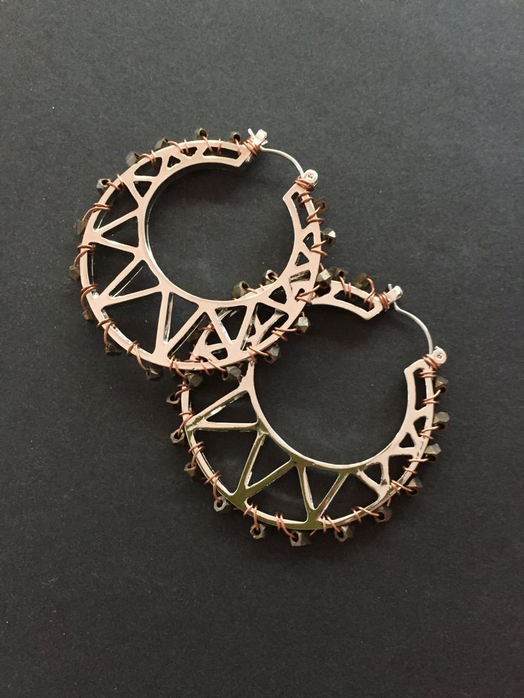 Wirework hoop earrings with silver and cooper wire with brass beads woven through. by GreenfishBluefish on Etsy