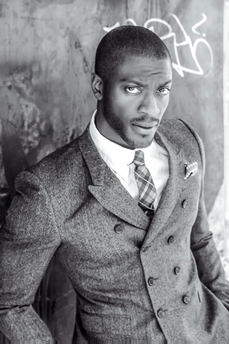 Aldis Hodge as Fitzwilliam Darcy. What holy hell is this? This man is so beautiful it shouldn't be allowed oh my laaaawd.