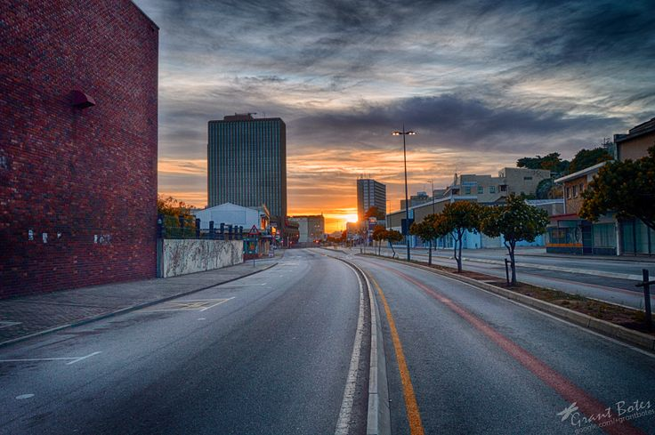 Govan Mbeki Avenue, Port Elizabeth. Sunday morning, 29 Nov 2015,  05:26 a.m.