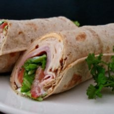 Healthy Ranch Ham and Spinach Wraps