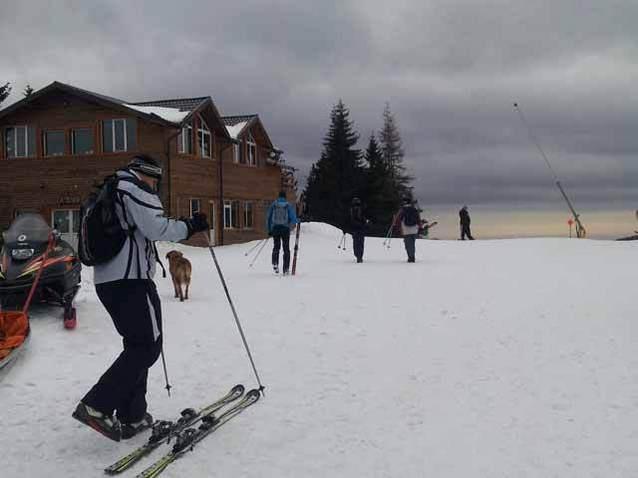 """""""Cu investiţii putem ajunge la 55 km de pârtie în Sinaia, de două ori şi jumătate mai mult, iar cu zăpadă artificială sezonul de schi s-ar extinde până în mai"""""""