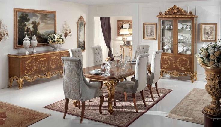 Tradiční luxusní italský nábytek vyráběný na zakázku do Cappellini Itagli, kompletní kolekci jejich nábytku pro jídelny naleznete zde: http://www.saloncardinal.com/cappellini-intagli-59f