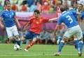 L'Espagne, championne d'Europe en titre et grande favorite de l'Euro 2012, a été tenue en échec 1 à 1 (mi-temps: 0-0) par une séduisante équipe d'Italie, pour son entrée en lice à l'Euro-2012, dimanche à Gdansk, comptant pour le premier match du groupe C. Di Natale, entré en jeu à la place de Balotelli, a [...]