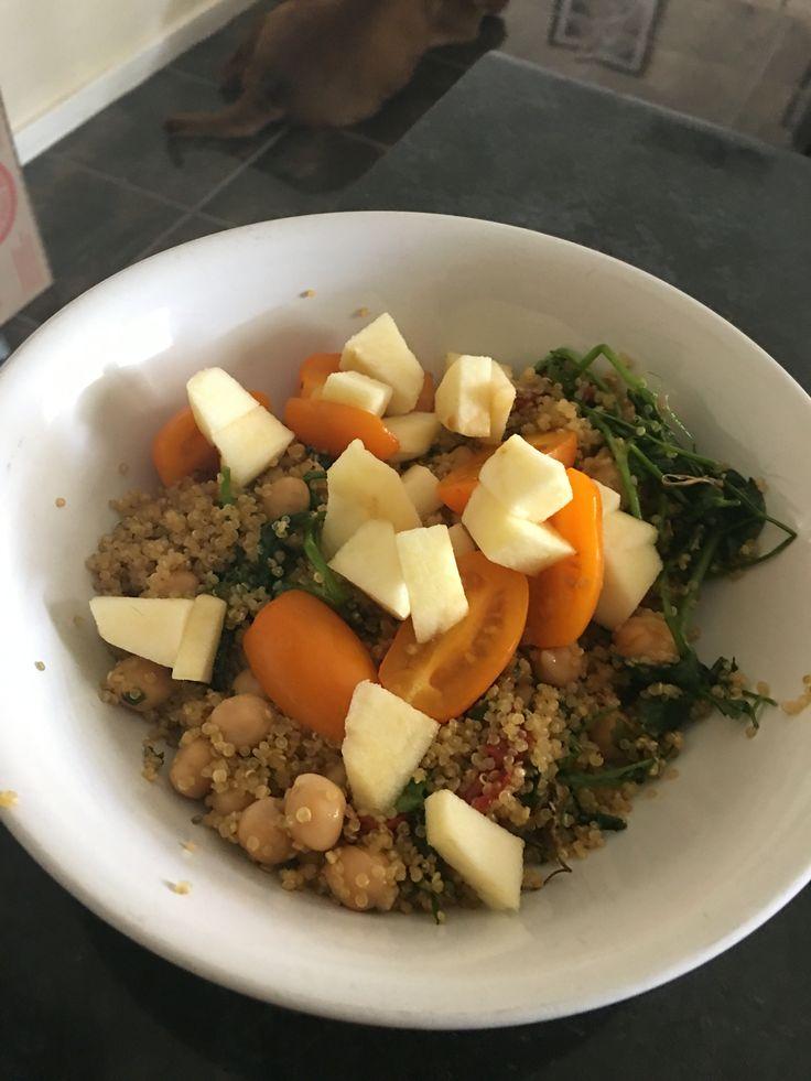 Quinoa and tomato / Apple salsa salad