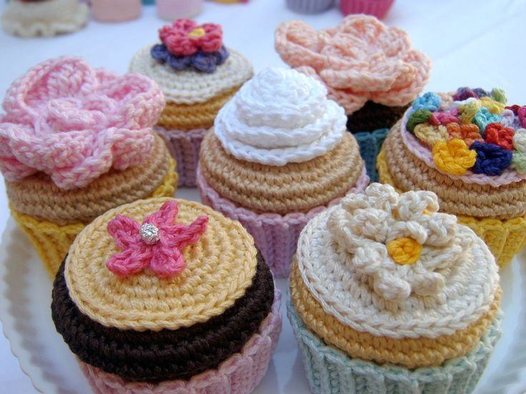 cupcake pattern + a lot more :). @Elyse Exposito Exposito  - I'm gonna make you one!!  ;)