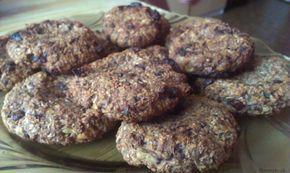 Cookies z ovsených vločiek a banánu  Potrebujeme: 2 ks banán 1,5 hrnčeka ovsených vločiek (ja dávam jemné ) med kokos kakao ( môže, no nemusí byť) orechy 80% horká čokoláda  Postup: 1. Banány roztlačíme, postupne pridáme vločky a ostatné suroviny. 2.Vytvarujeme ich na cookies a uložíme na plech vystlaný papierom na pečenie 3. […]Podeľte sa o tento super recept so známymi