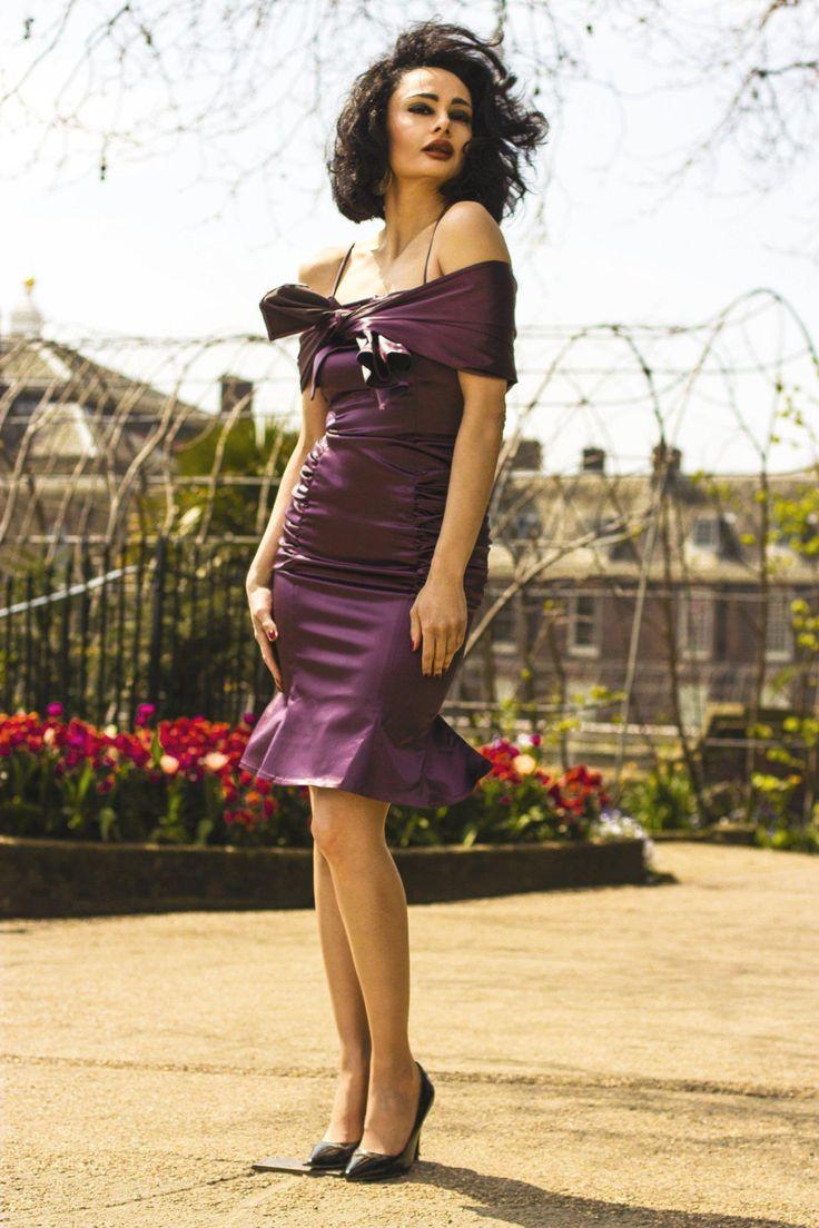"Pleated hips dress ""Sophia"" www.lineadiluna.com"