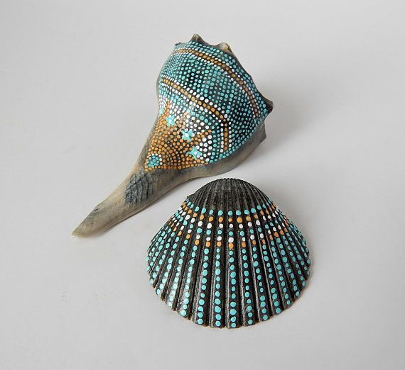 Painted Seashells Natural Beach Cottage Nautical von prayerfeather