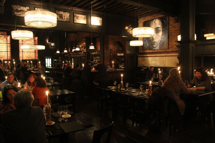 Bistro zwart Huis - gothic restaurant in Brughes
