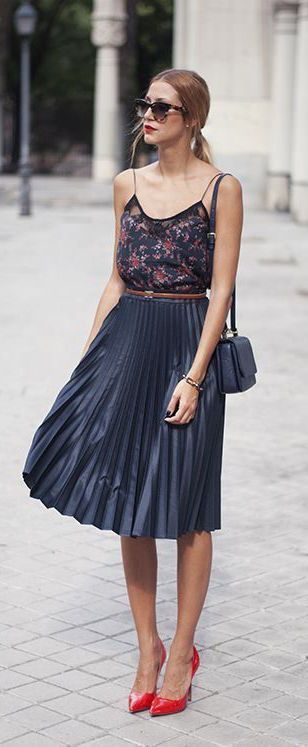 Summer trends | Floral top, blue pleated midi dress, red heels, matching purse