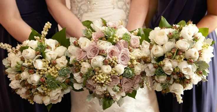 To make your wedding day more special, one of the important things that You must not forget is to choose a good wedding florist who has experience and