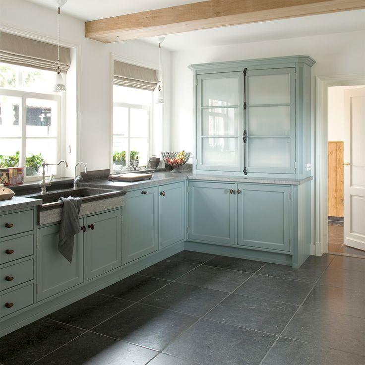 Tasty Turquoise Kitchens