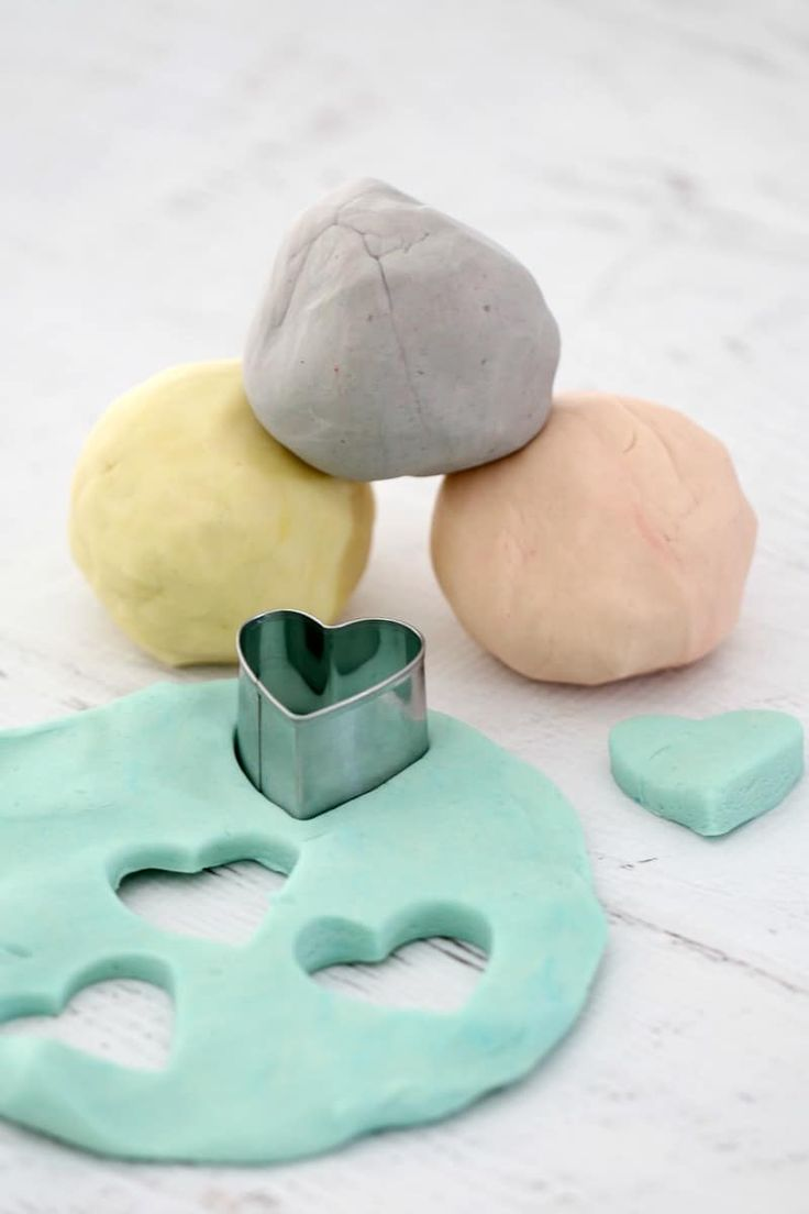 Super Easy Playdough Recipe (Thermomix and Conventional Methods)