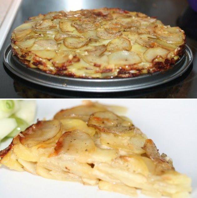 Alt hvad du skal bruge for at lave pommes anna er kartofler, smeltet smør og ost. Det er herligt og simpelt tilbehør.