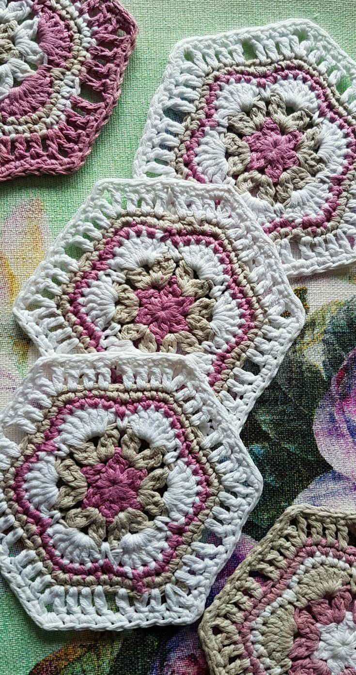 Podstawki pod kubki, stół, table, #table decoration, #crochet, handmade, hous decor