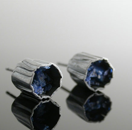 Alternatives gallery for contemporary jewellery - Elaine Cox
