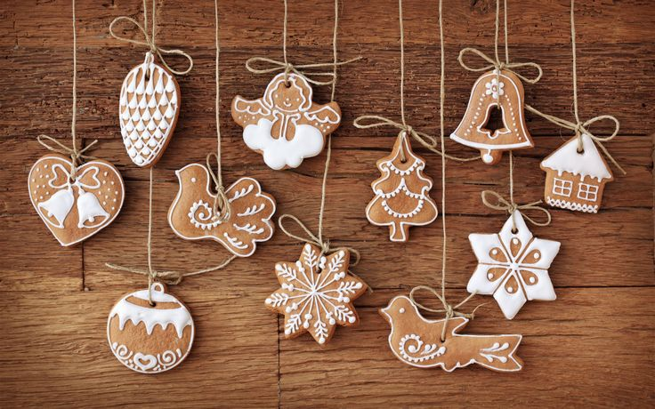 Use cinnamon ornament dough and decorate for a kitchen tree.