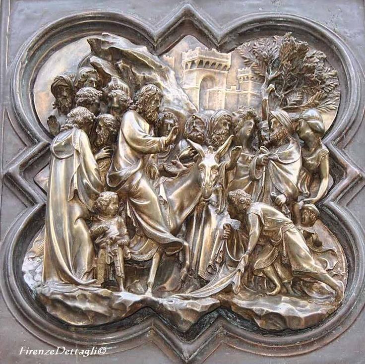 Firenze, Piazza San Giovanni, Battistero, una formella di Lorenzo Ghiberti realizzata tra il 1403 e il 1424
