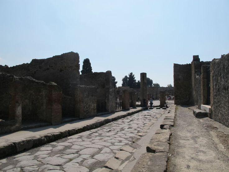 Naples travel guide - Wikitravel