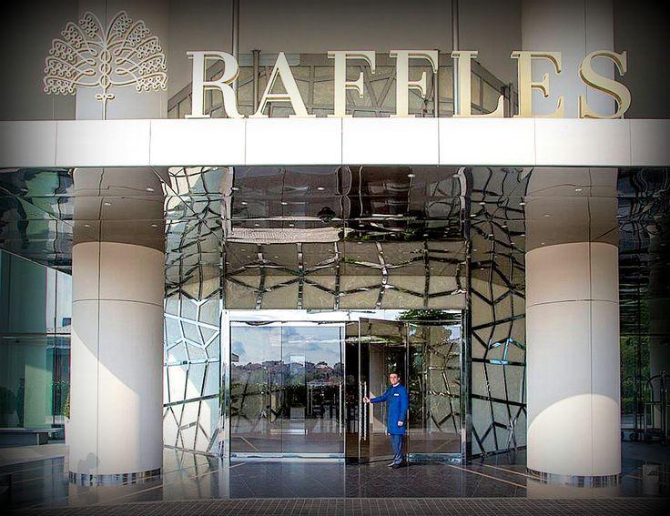 Backlit white onyx the Rafless Hotel