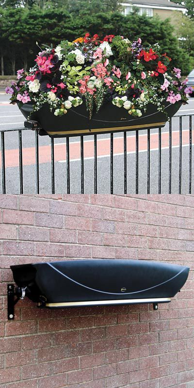 The FullBloom™ Rail–mounted planter is a self–watering, public planting trough. Wall or rail–mounted, it is ideal for external areas such as towns, pubs and businesses. #GlasdonUK #Planters #SelfWatering