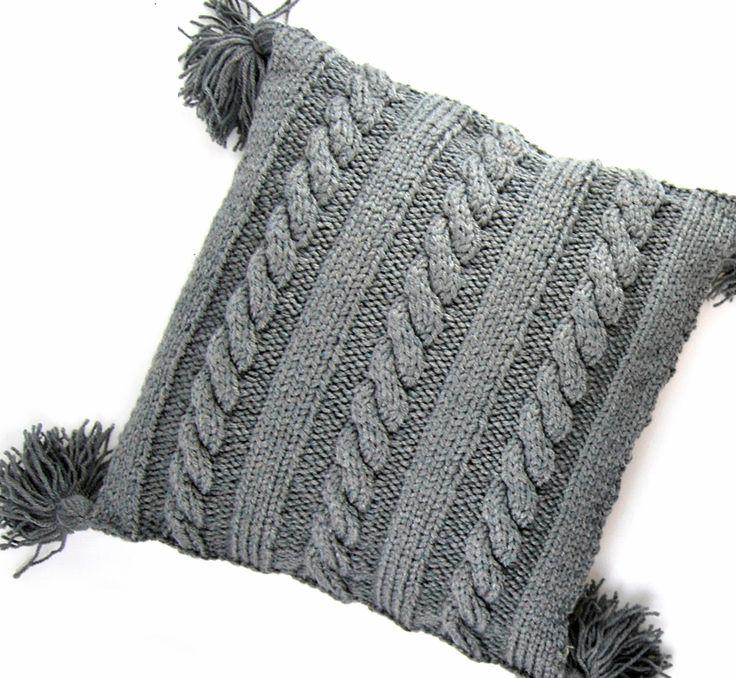 Vintage knitting free patterns, gratis breipatronen onder andere jaren 70 patronen: Kussen met kabel breien met breipatroon