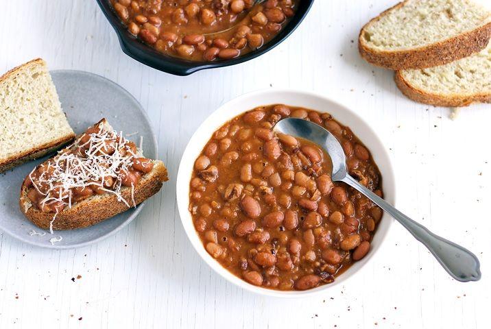 """Mit Boston als meiner derzeitigen Wahlheimat, muss dieses Rezept einfach sein. Es sind die Boston Baked Beans, die der Stadt den Beinamen """"Beantown"""" einbrachten"""