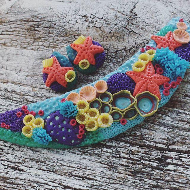 Кто-то на южном море, а мы на северном карьере. Хотя кусочек полимерного моря можно носить с собой в виде колье🙌 Колье и серьги в наличии.  #мореморе #мирбездонный #морскоедно #Полимернаяглина #колье #Серьги #ручнаяработа #di_design_bijoux #dikhashimova #polymerclay #clay #design #art #summer