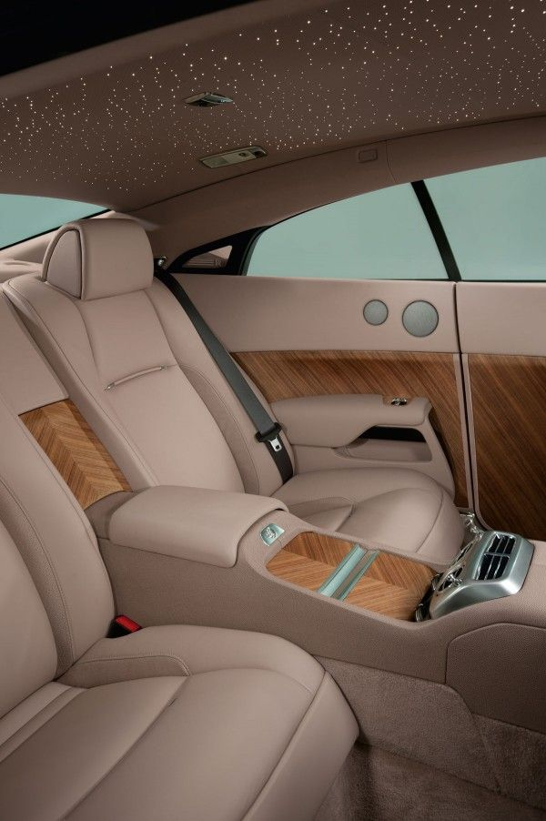Rolls Royce Wraith - the interior is simply dreamy!