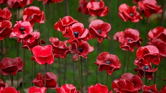 Watch live: Armistice Day marked with silence http://www.itv.com/news/2014-11-11/national-falls-silent-to-mark-100-years-since-armistice-day/ …