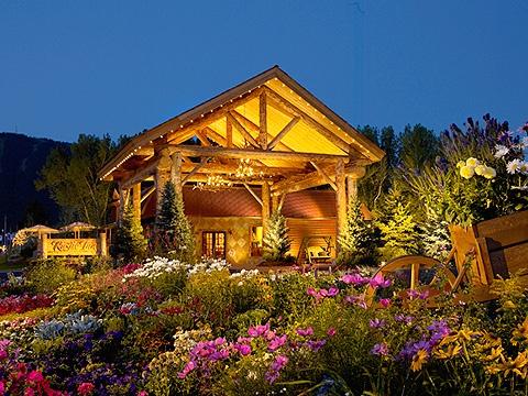 Rustic inn jackson hole wyoming luxury log cabins lodge for Rustic hotel