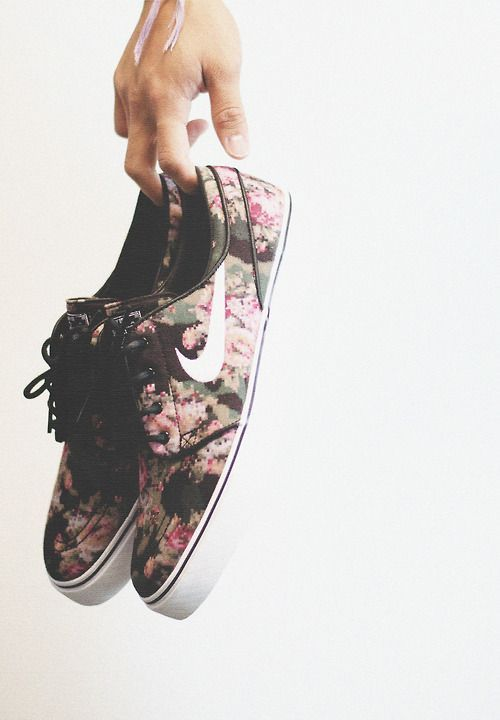 floral nike janoskis
