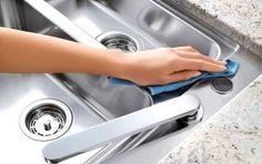 Come pulire l'acciaio in modo naturale - Pulire l'acciaio in modo naturale? Che sia inox, satinato, macchiato, inossidabile o ossidato, ecco alcuni pratici e preziosi consigli per la pulizia e per la manutenzione dell'acciaio.