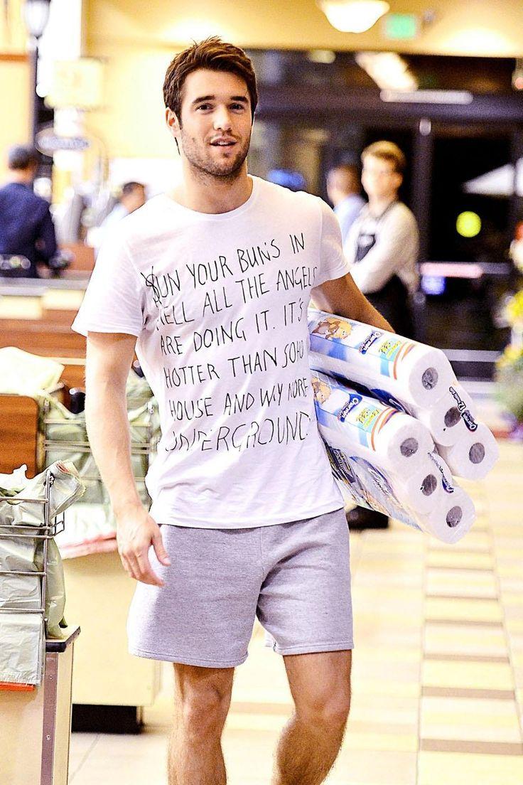 Josh Bowman Sighting At La Supermarket Photoshoot