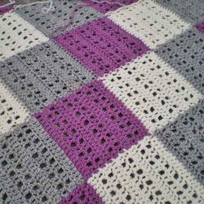 Pretty crochet blanket pattern. Love those colors together