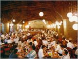 Lion Ginza 7-chome, The oldest existing beer hall in Japan, since 1934 ビヤホールライオン銀座七丁目店 店内の様子