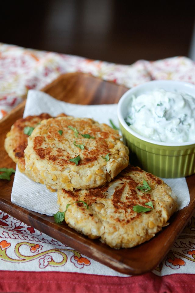 Chickpea Patties with Cucumber-Yogurt Sauce - perfect for #meatlessmonday